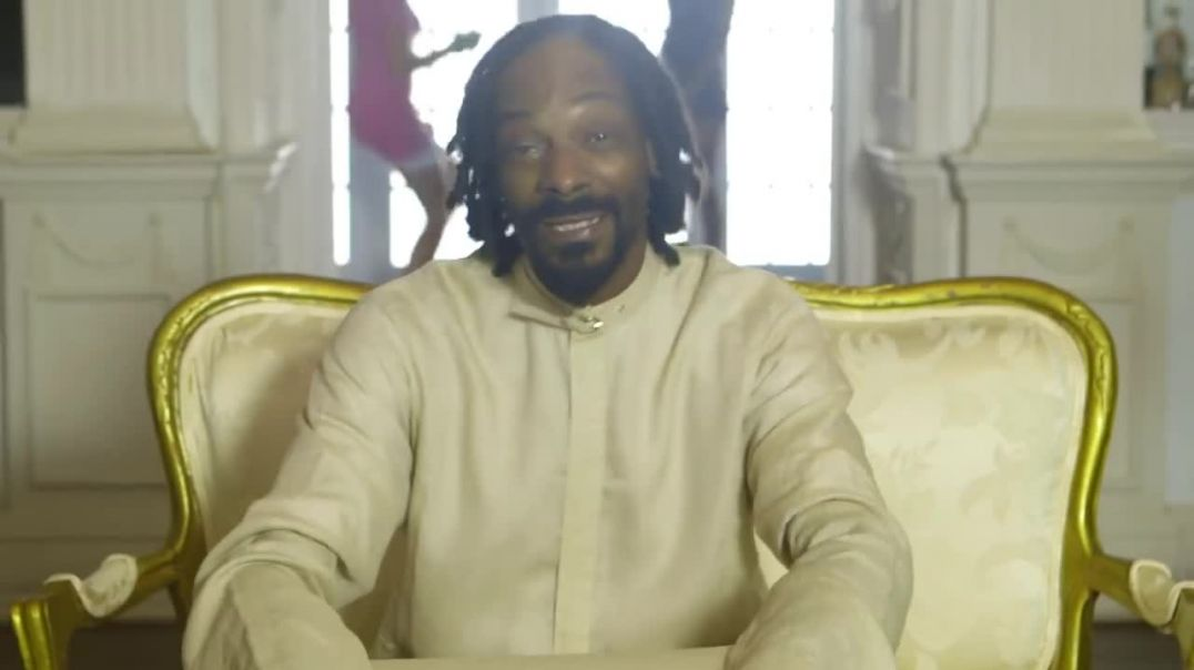 Snoop Lion ft Angela Hunte - Here Comes the King